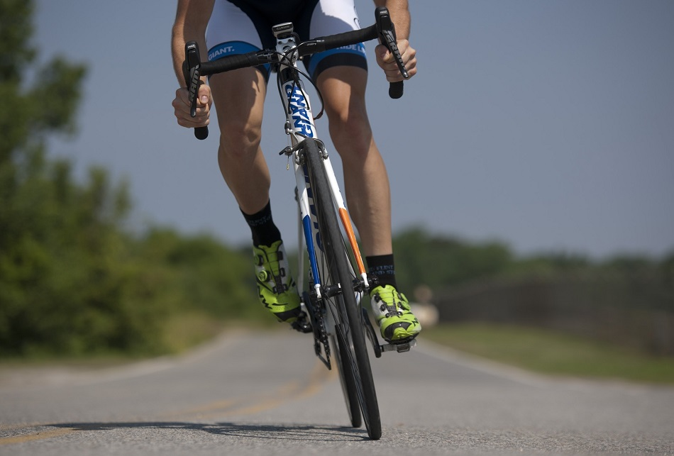 How Does Cycling Give You a Flat Stomach | BikeAdvisorPro