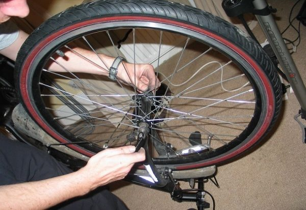 How do you change a front road bike tire